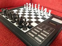 Electronic chess board / trainer / travel set