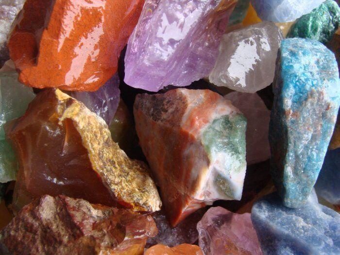 Finest Quality - Tumbler Rough Rocks - 1 1/2 Pound - In FREE White Box - Cabbing
