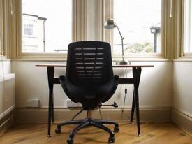 Office Desk Swivel Chair in Black