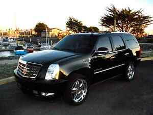 cadillac escalde front black bucket seats&console 2014 like new Kingston Kingston Area image 2