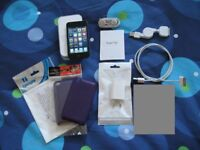 iPod touch 4th gen 32 GB complete in box, plus extras.