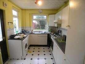 4 bedroom house in Arran Street, Roath, Cardiff, CF24 3HU