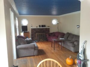 Spacious 7 bed (5+2) all INCLUSIVE 2-storey home OLD GLENRIDGE!