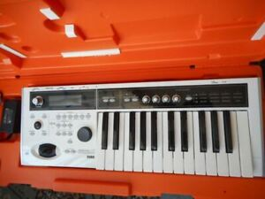 X    | Buy or Sell Used Pianos & Keyboards in Canada