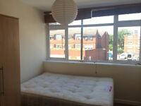 INCREDIBLE double EN SUITE room in Bethnal Green!! SUPER CHEAP with PRIVATE BATHROOM !!
