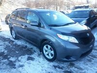 2011 Toyota Sienna 7 PASSAGERS 100000KM COMME NEUF