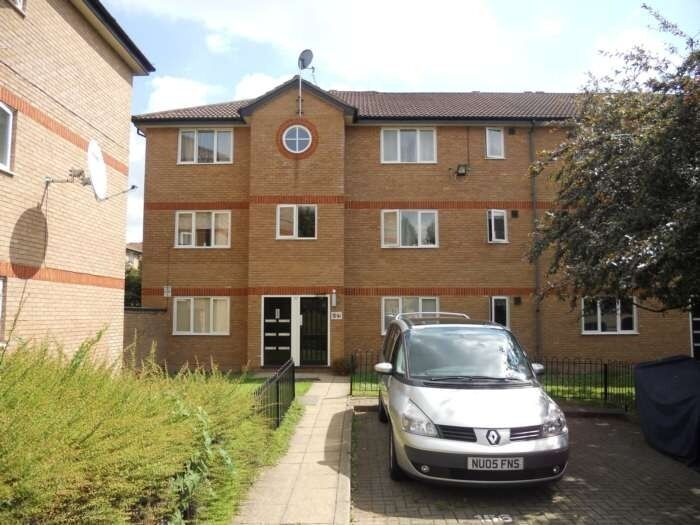 1 Bedroom Ground Floor Flat, E6
