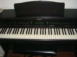PIANO DIGITAL ORCHESTRAL ROLAND KR-177