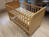 Mamas and papas cot/bed excellent condition