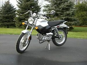 Scooter - moped tomos comme moto