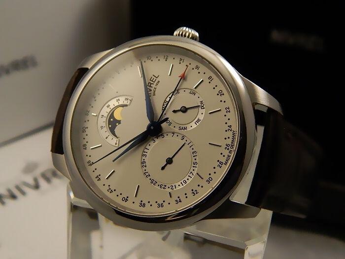 Made in Germany - analoge und digitale Uhren