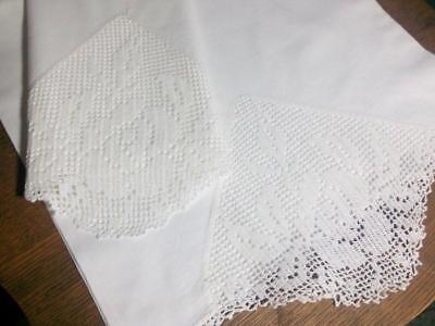 Vintage Pillowcase Set Filet Lace Insert White 18.5