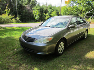 2002 Toyota Camry LE Berline