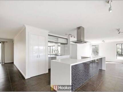 Modern, Clean, Economical & furnished extra Large bedroom Harrison Gungahlin Area Preview