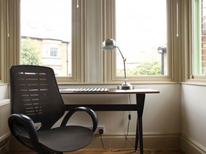 Office Desk Swivel Chair in Black x 3