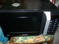 Samsung Digital Oven Microwave 20L 800W ME89F, Black