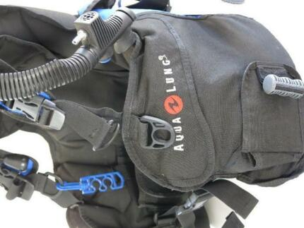USED Aqualung MAVERICK RDS Weight Integrated Med BCD Scuba Diving