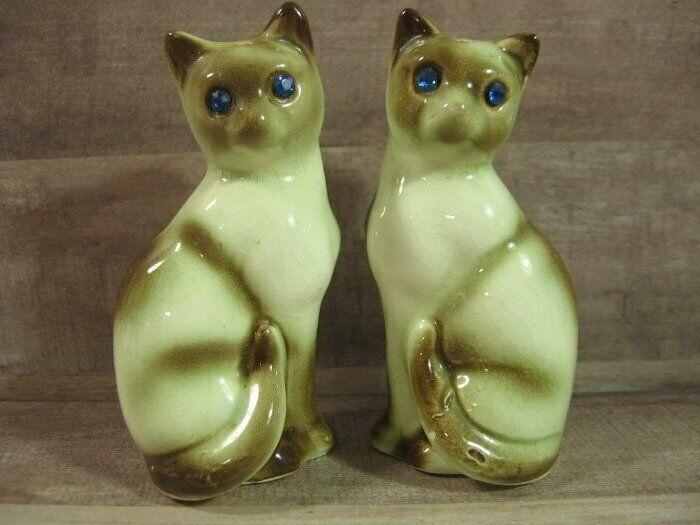 Vintage SIAMESE CAT Blue Rhinestone Eye Salt Pepper Shakers Japan