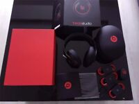 DR DRE BEATS STUDIO WIRLESS 2.0 HEADPHONES - BRAND NEW - BLACK - COMES WITH ALL ACCESSORIES!!!