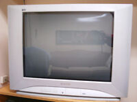 TV Panasonic Tau 27""