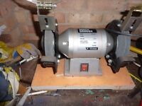 WICKES DUEL WHEELED BENCH GRINDER 300W