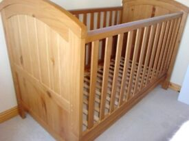 Mothercare westbury cot cotbed