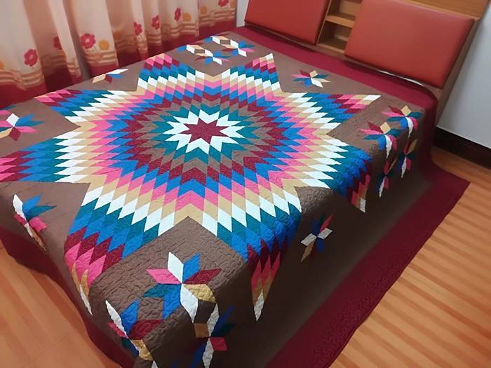 King size Machine pieced and quilt Star  complete Quilt# 94 K