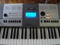 YAMAHA PSRE413 KEYBOARD AND STAND