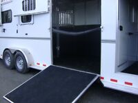 HORSE TRAILERING / TRANSPORT / HAULING