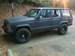 **WANTED ** Looking for a  jeep cherokee