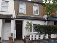 Lovely spacious one bedroom first floor flat in Leytonstone, E11
