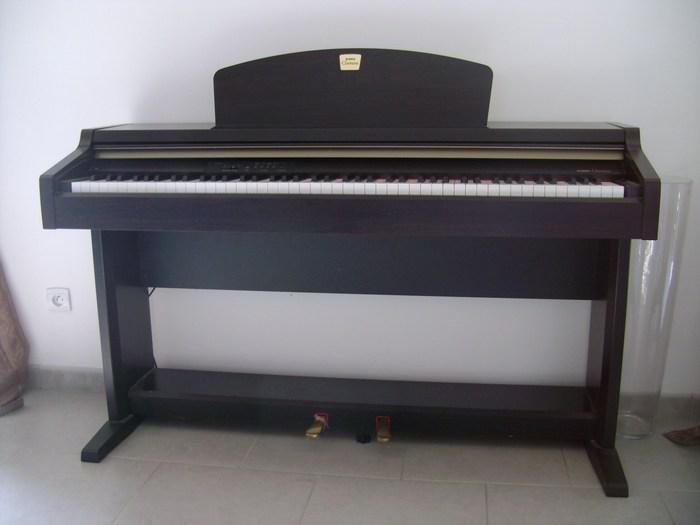 yamaha clavinova clp 910 digital piano with weighted keys and 2 pedals free delivery in. Black Bedroom Furniture Sets. Home Design Ideas