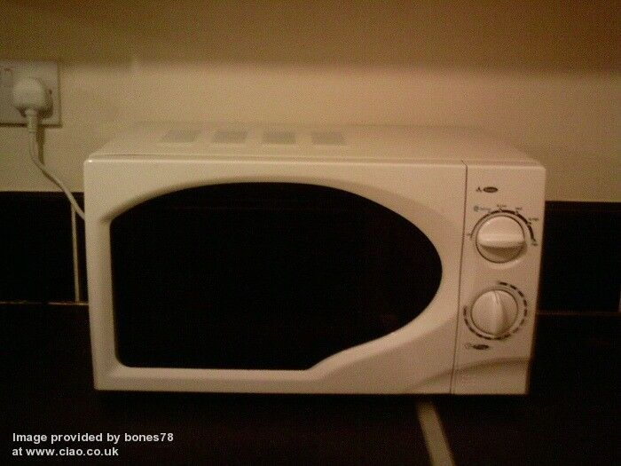 asda microwave oven 700 w clean condition and fully. Black Bedroom Furniture Sets. Home Design Ideas