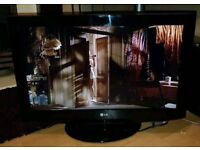"""LG 32"""" LCD TV with Freeview"""