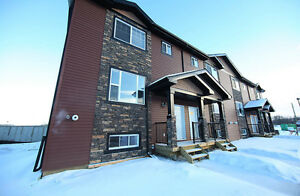 FULLY FURNISHED Sherwood Park townhome