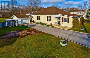 OPEN HOUSE Sat Dec 10th 11-1pm and 2-4pm