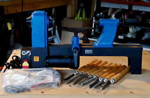 Wood Lathe with Variable Speed Control and a set of 11 Chisels