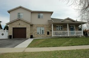 59 Walsh Crescent OPEN HOUSE SATURDAY (Apr 22) 10:30-3:00