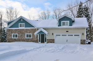 Manotick house for sale on private lot, NEW PRICE!!