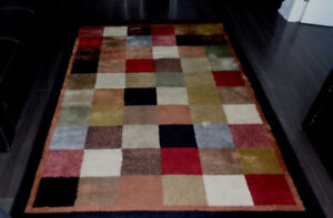 Tapis Area Rug