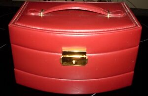 Brown leather look lockable jewelery box