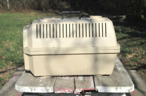 Used polypropylene Pet Carrier, small dog size, exc. condition