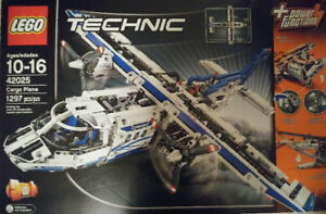 Lego Technic avion cargo (42025) neuf