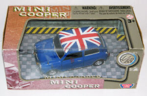 Motor Max 1/18 Mini Cooper Diecast Car Union Jack