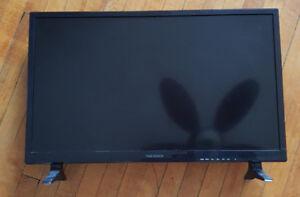 Insignia brand TV 28 inch perfect condition. Television