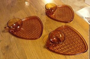VINTAGE INDIANA GLASS DAISY & BUTTON AMBER SNACK FOR 3