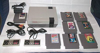 Comple Nintendo Console NES System, 2 controllers, & 8 Classic Games