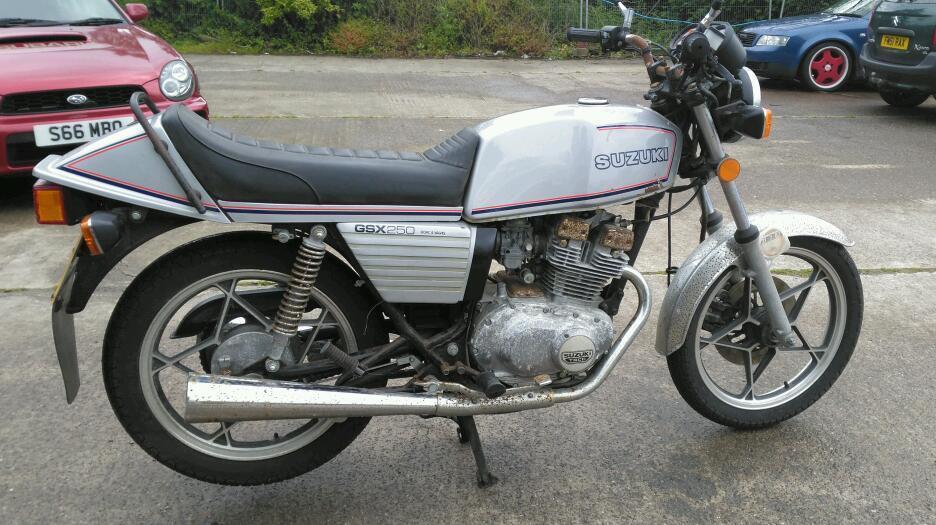 sold. suzuki gsx250 twin. cafe racer? classic barn find. uk