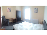 *** 2 DBL ROOMS AVAILABLE *** EXCELLENT LOCATION *** NO AGENCY/ADMIN FEES AT ALL *** £368 PCM
