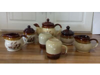 teapot , 2 cups with 2 matching sugar bowls & 2 milk jugs selling v cheap £9